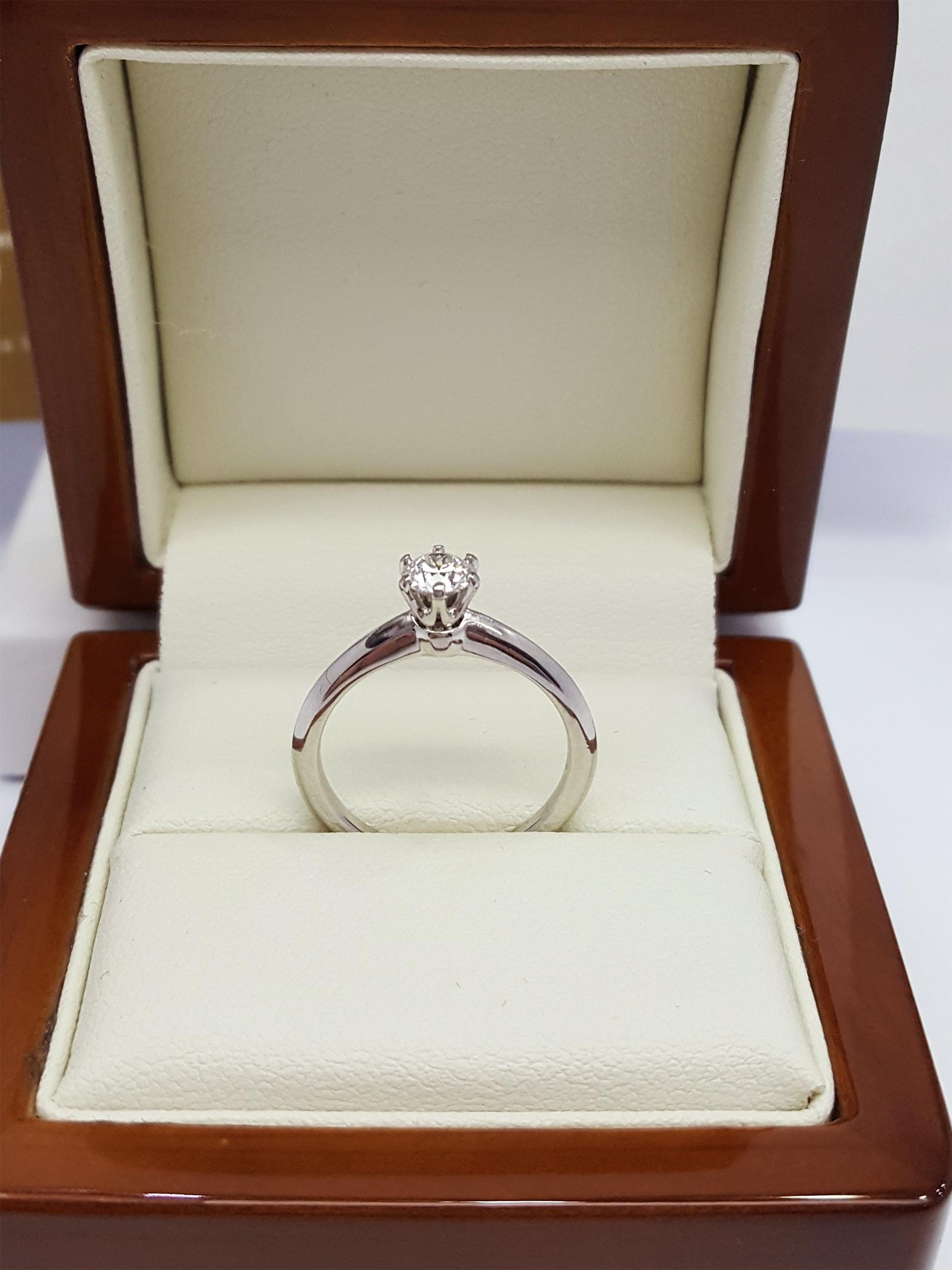Inne rodzaje Skup biżuterii ze złota i srebra Warszawa - Lombard Artar S.C. RE96